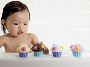 Munchin Cupcake Bath Squirters - Bath Toys for Girls